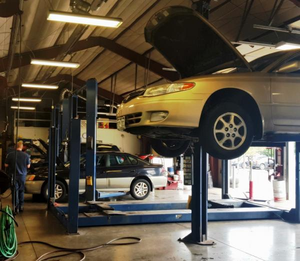 Lafayette Auto Service | Coopers Automotive - Shop Inside